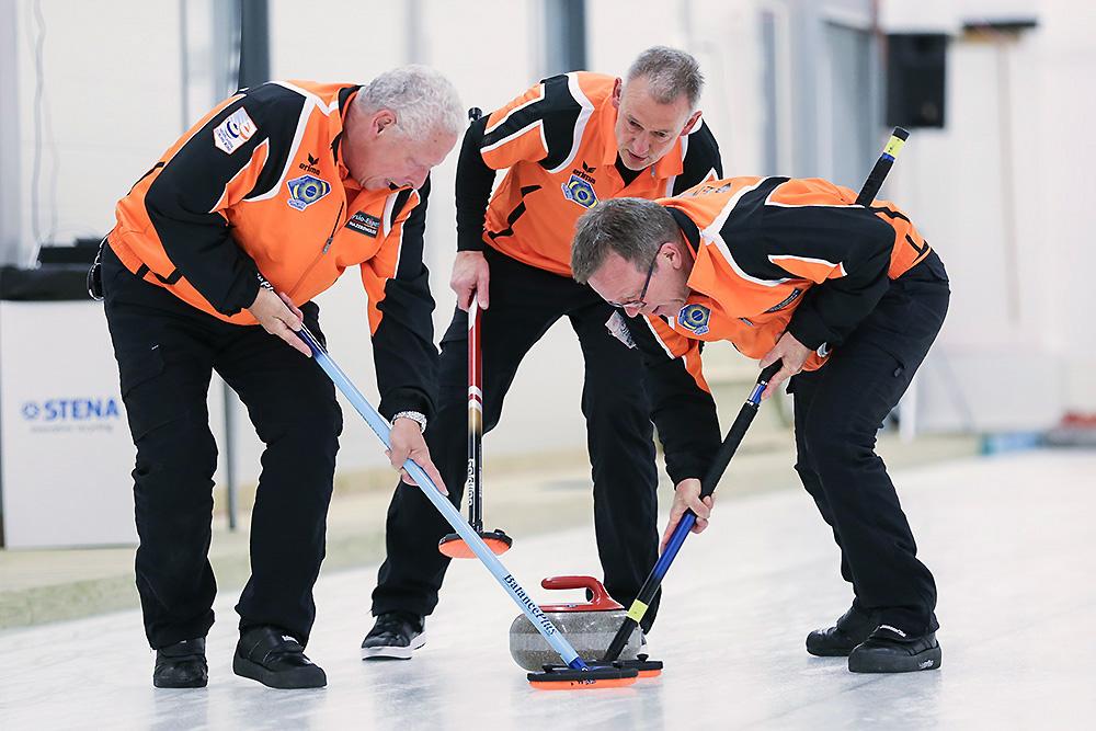 Curling vegen senioren Curlingbaan Zoetermeer